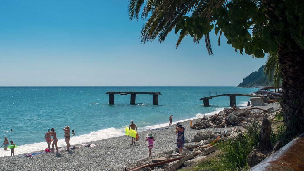 Фото центрального пляжа сухуми