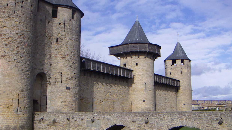 старинная крепость в ваалнорде