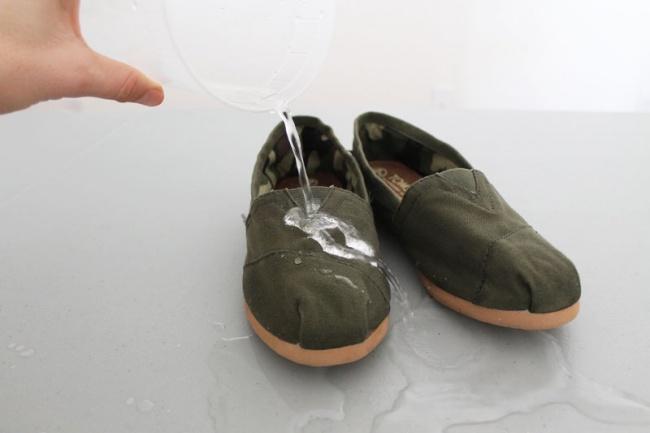 как сделать чтобы обувь не промокала